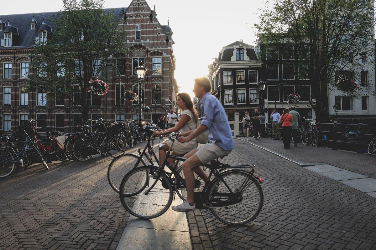 Camminare e pedalare ad Amsterdam